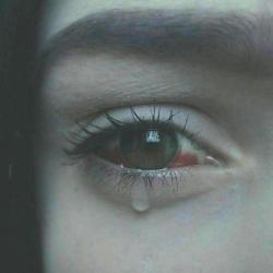 عکس پروفایل غمگین اشک