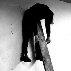 عکس پروفایل پسرانه خودکشی